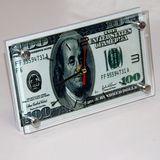 Часы стекло настольные Купюра Доллары 20*12см