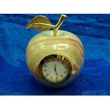 Часы Яблоко оникс 6.5*5 см