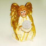 Ангелок полист.gold c шаром (цв. подсветка) 19*14*12 см