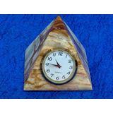 Часы Пирамида оникс 7.5*8 см