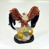 Орел на подставке сувенир полистоун 25*20*13 см