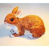 Кролик рыжий полистоун 24*16см